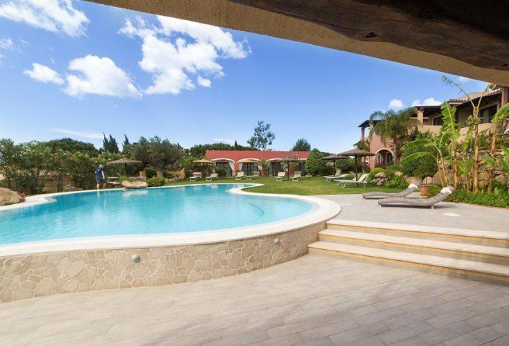 hotelmariposas_villasimius_garden2